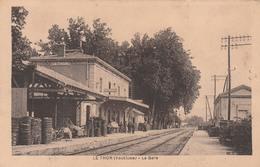 84 LE THOR     - La Gare      TB  PLAN PAS COURANT - Autres Communes