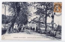 VERGT 24 DORDOGNE PÉRIGORD  ARRIVÉE PAR LA ROUTE DE BERGERAC - France