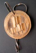 1981 Lithuania Alma Mater Handcrafted Ceramic Medal - Ceramics & Pottery