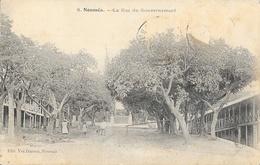 Nouméa - La Rue Du Gouvernement - Edition Vve Daroux - Carte Non Circulée - Nouvelle-Calédonie