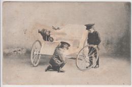 AK - Buben Reparieren Ein Kutschenwagerl - 1909 - Szenen & Landschaften