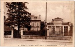 18 Saint Amand Montrond : La Sous Préfecture (plis) - Saint-Amand-Montrond