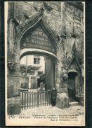CPA - NEVERS - Rue De L'Oratoire, Animé - Portail De L'Ancienne Tour Des Comtes - Nevers