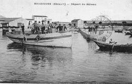 """Cpa 1926 BOUZIGUES, Départ Du Bâteau """"rené"""", Avec Son équipage Admiré Par Des Badauds Sur La Petite Jetée , (52.13) - Other Municipalities"""