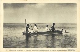 Missions Océanie: Iles Du Pacific, Un Père Des Sacrés-coeurs De Picpus En Pirogue - Carte Non Circulée - Missions
