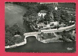 CPSM (Réf : U 883) SUCÉ (44 LOIRE-ATLANTIQUE) 185-14 A Vue Aérienne 20490 -Le Pont Et Montretaict (animée, Traction) - France