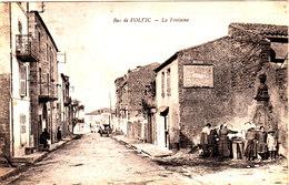 Bas De VOLVIC La Fontaine Belle Cpa Animée Circulée En 1923 Bon état Voir Scans - Volvic