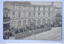 COGNAC Carte Photo Parade Militaire - Tampon Ph. Lavaud Photographe Au Dos - Cognac