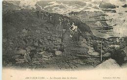 ARCY SUR CURE LA DESCENTE DANS LES GROTTES - France