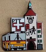 CAR POSTAL SUISSE - BUS JAUNE - SWISS POST  - PTT - CHATEAU - CASTEL - SCHLOSS - TOUR AVEC HORLOGE  -   (15) - Trasporti