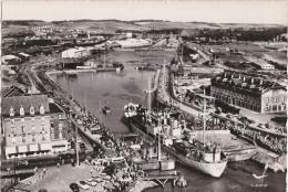 Bg - Cpsm Grand Format LE TREPORT - L'entrée Du Port Et Les Bassins (Lapie) - Le Treport