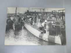 """CPA MARINE DE GUERRE """"CATAPULTE"""" CONTRE TORPILLEUR D'ESCADRE - Warships"""