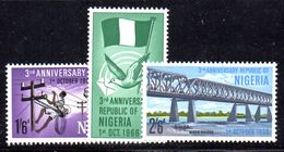 T749 - NIGERIA 1966 , Serie Yvert N. 197/199  ***  MNH - Nigeria (1961-...)