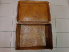Valise En Cuir 42 Cm X 30 Cm Hauteur 15 Cm Poids 2.275 Kg A Restaurer - Other Collections