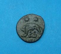 VRBS ROMA, BRONZE AE3, WOLF, TWINS - 7. El Impero Christiano (307 / 363)