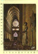 CPM, REIMS: Cathédrale , Façade Occidentale Avec Ses Deux Roses, Statue De Jeanne D'Arc - Reims