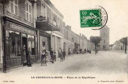 LA CHAPELLE-LA-REINE PLACE DE LA REPUBLIQUE MAGASIN CHAUSSURES - La Chapelle La Reine