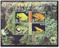 PAPUA NEW GUINEA  1366    WWF  MINT NEVER HINGED MINI SHEET OF FISH-MARINE LIFE  ; FROGS  0902 - Marine Life