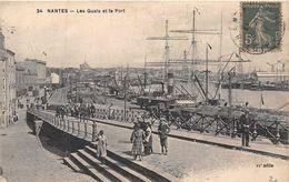 NANTES  - Les  Quais Et Le Port ( Chapeau 24 ) - Nantes