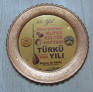 AC - 35th YEAR INTERNATIONAL SILIFKE CULTURE WEEK FOLK SONG YEAR 20 - 26 MAY 2008 COPPER PLATE FROM TURKEY - Cerámica Y Alfarerías