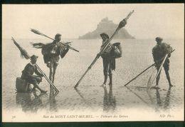 Pêcheurs Des Grèves - Le Mont Saint Michel
