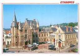 Cpsm -    ETAMPES  - Place De L 'hotel De Ville    V882 - Etampes