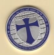 Croix De L'ordre Des Templiers. 28,9 Gr Pour 41 Mm De Diamètre Métal Plaquée En Argent, Elle Est FDC - Royal / Of Nobility