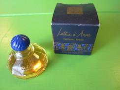 COLLECTION MINIATURE DE PARFUM LE MONDE EN PARFUM LETTRE A ANNA  EAU DE TOILETTE 7.5 ML PLEIN + BOITE - Miniatures Modernes (à Partir De 1961)