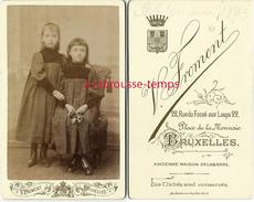 CDV En 1893- 2 Fillettes Habillées Pareil-photo V. Froment à Bruxelles - Photographs