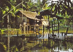 Asie > Cambodge CAMBODIA ANGKOR Habitation Cambodgienne Sur Pilotis Avec Sa Roue à Aubes / Rivière Siem*PRIX FIXE - Cambogia
