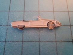 Pin810e Pin's Pins : BEAU ET RARE : GRAND CAMION DE POMPIERS ANNEES 1920  , Marquage Au Dos : - ---  - - Citroën