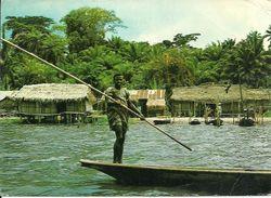 Nigeria, Lagos State, Fishing Village Along Epe Lagoon, Village Des Pecheurs Le Long De La Lagune Etat De Lagos - Nigeria