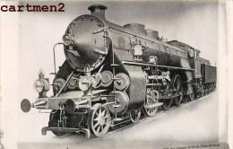 CARTE PHOTO : TRAIN LOCOMOTIVE GARE ZUG BAHNHOF LOKOMOTIVE STATION ESTACION TRENO LOCOMOTORA - Trains