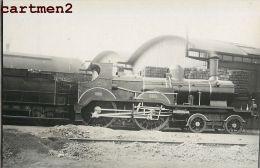 CARTE PHOTO TRAIN LOCOMOTIVE ZUG BAHNHOF GARE LOKOMOTIVE STATION ESTACION TREN LOCOMOTORA BELGIQUE NEDERLAND DEUTSCHLAND - Trains