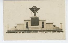 NEUVILLE VITASSE - Belle Carte Photo Monument Aux Morts De NEUVILLE Et SAINT MARTIN - Photo R. MERIAUX  à ARRAS - Frankrijk