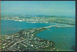 °°° 8178 - NEW ZELAND - AUCKLAND CITY AND HARBOUR BRIDGE - 1984 With Stamps °°° - Nuova Zelanda