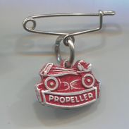 ROLLERSKATES / ROLLSCHUHE - PROPELLER, Roulettes Skating, Vintage Pin, Badge, Abzeichen - Skating (Figure)