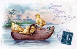 78Sm  Poussins En Barque Dans Un Sabot - Animali Abbigliati
