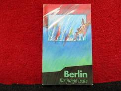 Berlin Für Junge Leute / Brochure De 1985 - Livres, BD, Revues