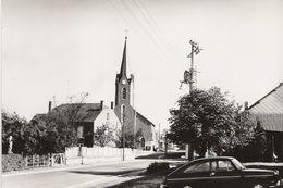 Haut-Fays - LOT 3 CP - Presbytère église - Hôtel Ardennes Gros Plan Et Voitures Des Années 90 - Hôtel Rue Bordée Arbres - Daverdisse