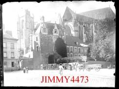 Plaque Photo De Verre - Place D'un Village Bien Animé, à Identifier - Taille118 X 88 Mlls - Négatif-Positif - Plaques De Verre