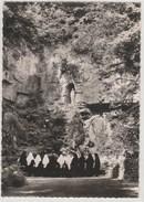 Soeurs De St-Joseph De St-Marc Guéberschwihr - Novices En Prière à La Grotte De Lourdes 105x150 Dentelée, Glaçée - France