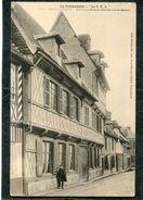 CPA - PONT L'EVEQUE - Ancienne Maison Grande Rue St Michel, Animé - Pont-l'Evèque