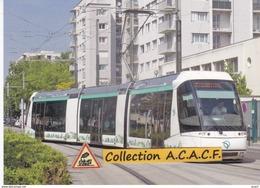 Tramway Sur Pneus STE 3 NTL Alstom (T5 RATP), à Saint-Denis (93)  - - Saint Denis