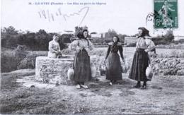 85 - Ile -d'Yeu : Les Filles Au Puits Du Gapron. - Ile D'Yeu