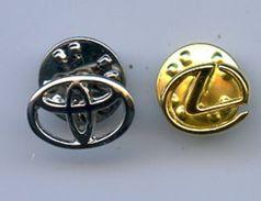 TOYOTA LEXUS Logo Pins Russie Lot Of 2 - Toyota