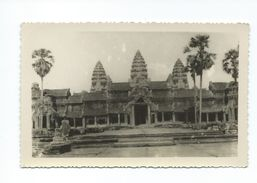 Indochine Cambodge ANGKOR CP Un Peu Vrillée Non écrite Colonies Françaises Bien - Cambodge