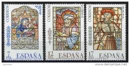 SERIE TIMBRES ESPAGNE NOUVEAUX 1985 VITRAUX CATHÉDRALES SÉVILLE ET DE TOLÈDE - ALCAZAR DE SÉGOVIE - Vetri & Vetrate