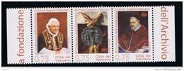 2012 - VATICAN - VATICANO - VATIKAN - D17E - MNH LEAFLET   3 STAMPS  ** - Vatican