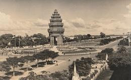 CAMBODGE - PHNOM PENH  The Independance Monument - Cambodja